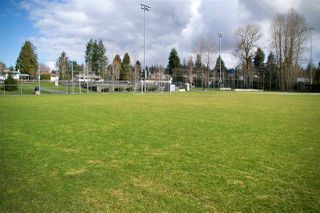 Photo 3: 312 33850 FERN Street in Abbotsford: Central Abbotsford Condo for sale : MLS®# R2494016