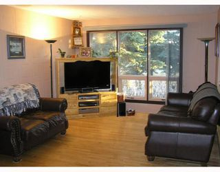 Photo 2: 82 GLENPATRICK Road: Cochrane Residential Detached Single Family for sale : MLS®# C3401772