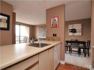 Photo 10: 902 1630 Quadra Street in VICTORIA: Vi Central Park Condo Apartment for sale (Victoria)  : MLS®# 282343