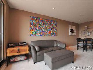 Photo 3: 902 1630 Quadra Street in VICTORIA: Vi Central Park Condo Apartment for sale (Victoria)  : MLS®# 282343