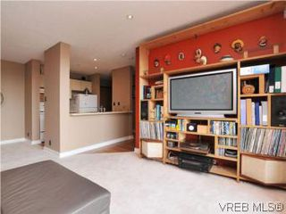 Photo 4: 902 1630 Quadra Street in VICTORIA: Vi Central Park Condo Apartment for sale (Victoria)  : MLS®# 282343