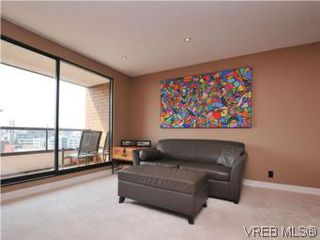 Photo 2: 902 1630 Quadra Street in VICTORIA: Vi Central Park Condo Apartment for sale (Victoria)  : MLS®# 282343