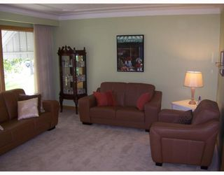 Photo 2: 17 AMARYNTH in WINNIPEG: Westwood / Crestview Residential for sale (West Winnipeg)  : MLS®# 2816389
