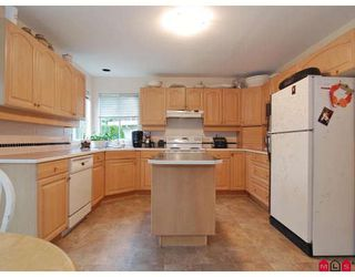 """Photo 2: 8475 214A Street in Langley: Walnut Grove House for sale in """"FOREST HILLS"""" : MLS®# F2828746"""