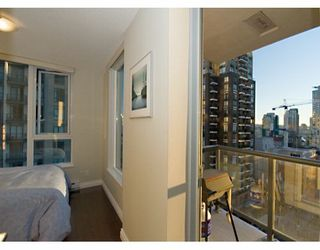 "Photo 7: 1010 RICHARDS Street in Vancouver: Downtown VW Condo for sale in ""THE GALLERY"" (Vancouver West)  : MLS®# V628281"