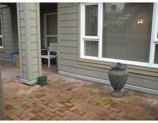 """Photo 9: 308 221 11TH Street in New_Westminster: Uptown NW Townhouse for sale in """"THE STANFORD"""" (New Westminster)  : MLS®# V746674"""