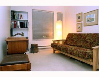 "Photo 6: 202 1118 55TH Street in Tsawwassen: Tsawwassen Central Condo for sale in ""CAMBRIDGE PLACE"" : MLS®# V760577"