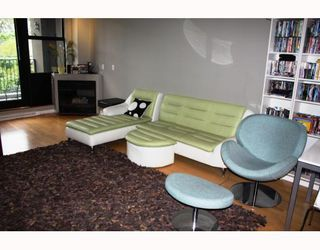 "Photo 2: 18 2156 W 12TH Avenue in Vancouver: Kitsilano Condo for sale in ""THE METRO"" (Vancouver West)  : MLS®# V765309"