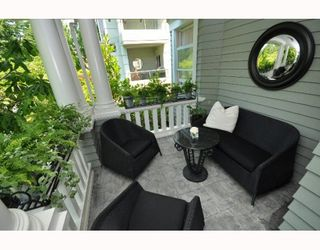 """Photo 9: 1 2888 BIRCH Street in Vancouver: Fairview VW House 1/2 Duplex for sale in """"HERITAGE COURT"""" (Vancouver West)  : MLS®# V771662"""