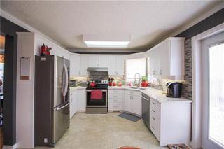 Photo 7: 135 Williamson Crescent in Winnipeg: Harbour View South Residential for sale (3J)  : MLS®# 202007780