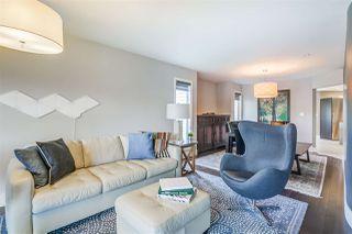 Photo 6: 426 OLSEN Close NW in Edmonton: Zone 14 House for sale : MLS®# E4199164