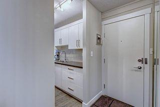 Photo 6: 22D 80 GALBRAITH Drive SW in Calgary: Glamorgan Apartment for sale : MLS®# C4303446