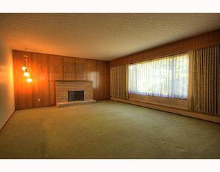 "Photo 3: 10300 CORNERBROOK Crescent in Richmond: Steveston North House for sale in ""STEVESTON NORTH"" : MLS®# V786979"