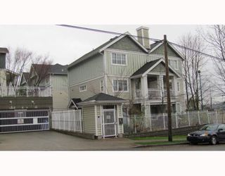 "Photo 1: 2 123 7TH Street in New Westminster: Uptown NW Townhouse for sale in ""ROYAL CITY TERRACE"" : MLS®# V798879"