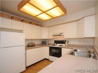 Photo 7: 1811 Fairfield Rd in VICTORIA: Vi Fairfield East Half Duplex for sale (Victoria)  : MLS®# 548837
