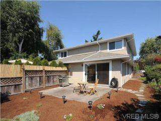 Photo 13: 1811 Fairfield Rd in VICTORIA: Vi Fairfield East Half Duplex for sale (Victoria)  : MLS®# 548837