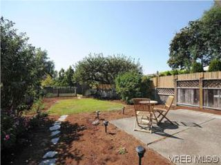 Photo 15: 1811 Fairfield Rd in VICTORIA: Vi Fairfield East Half Duplex for sale (Victoria)  : MLS®# 548837