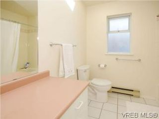 Photo 12: 1811 Fairfield Rd in VICTORIA: Vi Fairfield East Half Duplex for sale (Victoria)  : MLS®# 548837