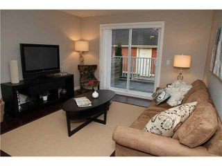 "Photo 2: 11 327 E 33RD Avenue in Vancouver: Main Townhouse for sale in ""WALK TO MAIN"" (Vancouver East)  : MLS®# V868106"