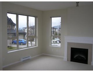 "Photo 4: 84 1357 PURCELL Drive in Coquitlam: Westwood Plateau Townhouse for sale in ""WHITETAIL"" : MLS®# V755813"