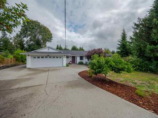 Main Photo: 5708 SURF Circle in Sechelt: Sechelt District House for sale (Sunshine Coast)  : MLS®# R2406047