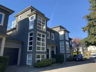 Main Photo: 217 W 17TH Street in North Vancouver: Central Lonsdale House 1/2 Duplex for sale : MLS®# R2426344