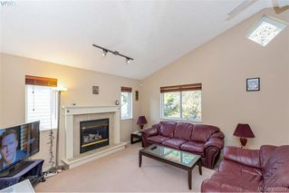 Photo 11: 25 Stoneridge Dr in VICTORIA: VR Hospital House for sale (View Royal)  : MLS®# 831824