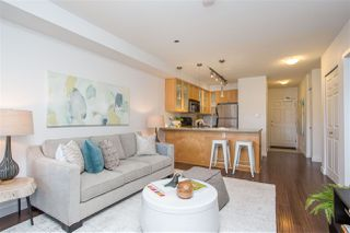 Photo 2: 202 702 E KING EDWARD AVENUE in Vancouver: Fraser VE Condo for sale (Vancouver East)  : MLS®# R2438937