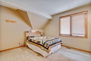 Photo 38: 40 STRADBROOKE Way SW in Calgary: Strathcona Park Detached for sale : MLS®# C4300390