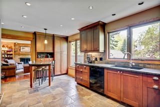 Photo 11: 40 STRADBROOKE Way SW in Calgary: Strathcona Park Detached for sale : MLS®# C4300390