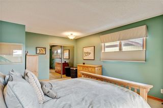 Photo 32: 40 STRADBROOKE Way SW in Calgary: Strathcona Park Detached for sale : MLS®# C4300390