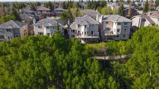 Photo 1: 68 CHRISTIE KNOLL Heights SW in Calgary: Christie Park Detached for sale : MLS®# C4304916