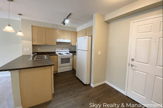 Photo 3: 636 McAllister Loop in Edmonton: Condo for rent