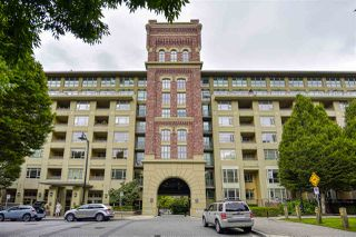 """Photo 2: 807 2799 YEW Street in Vancouver: Kitsilano Condo for sale in """"Tapestry at Arbutus Walk"""" (Vancouver West)  : MLS®# R2481246"""