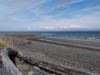 Photo 40: 102 3156 W Island Hwy in : PQ Qualicum Beach Condo for sale (Parksville/Qualicum)  : MLS®# 856318