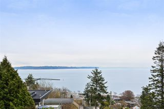 Photo 2: 1308 EVERALL Street: White Rock House for sale (South Surrey White Rock)  : MLS®# R2508457