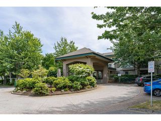"""Photo 22: 137 19528 FRASER Highway in Surrey: Cloverdale BC Condo for sale in """"Fairmont on the Blvd"""" (Cloverdale)  : MLS®# R2509162"""