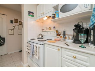"""Photo 8: 137 19528 FRASER Highway in Surrey: Cloverdale BC Condo for sale in """"Fairmont on the Blvd"""" (Cloverdale)  : MLS®# R2509162"""