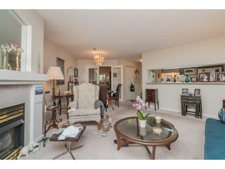 """Photo 5: 137 19528 FRASER Highway in Surrey: Cloverdale BC Condo for sale in """"Fairmont on the Blvd"""" (Cloverdale)  : MLS®# R2509162"""