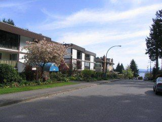 Photo 1: 110 1520 Vidal Street in White Rock: Home for sale : MLS®# F2508287