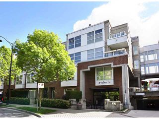 Photo 1: 222 2768 CRANBERRY Drive in Vancouver: Kitsilano Condo for sale (Vancouver West)  : MLS®# V827526