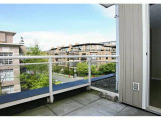 Photo 3: 222 2768 CRANBERRY Drive in Vancouver: Kitsilano Condo for sale (Vancouver West)  : MLS®# V827526