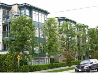 "Photo 1: 406 688 E 16TH Avenue in Vancouver: Fraser VE Condo for sale in ""VINTAGE EASTSIDE"" (Vancouver East)  : MLS®# V834444"