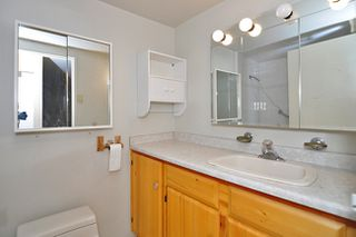 """Photo 6: 303 325 W 3RD Street in North Vancouver: Lower Lonsdale Condo for sale in """"HARBOUR VIEW"""" : MLS®# V861461"""