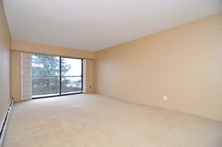"Photo 3: 303 325 W 3RD Street in North Vancouver: Lower Lonsdale Condo for sale in ""HARBOUR VIEW"" : MLS®# V861461"