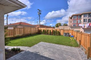 "Photo 3: 5651 CHESTER Street in Vancouver: Fraser VE House for sale in ""FRASER VE"" (Vancouver East)  : MLS®# V746920"