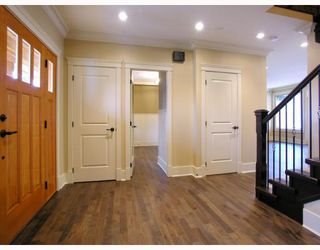 Photo 2: 1037 LAWSON Avenue in West_Vancouver: Sentinel Hill House for sale (West Vancouver)  : MLS®# V754842