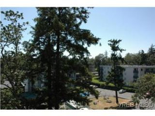 Photo 9: 402 4030 Quadra Street in VICTORIA: SE High Quadra Condo Apartment for sale (Saanich East)  : MLS®# 265911