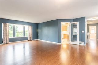 Photo 3: 6219 192 Street in Surrey: Cloverdale BC House for sale (Cloverdale)  : MLS®# R2388861