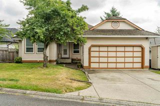 Photo 1: 6219 192 Street in Surrey: Cloverdale BC House for sale (Cloverdale)  : MLS®# R2388861